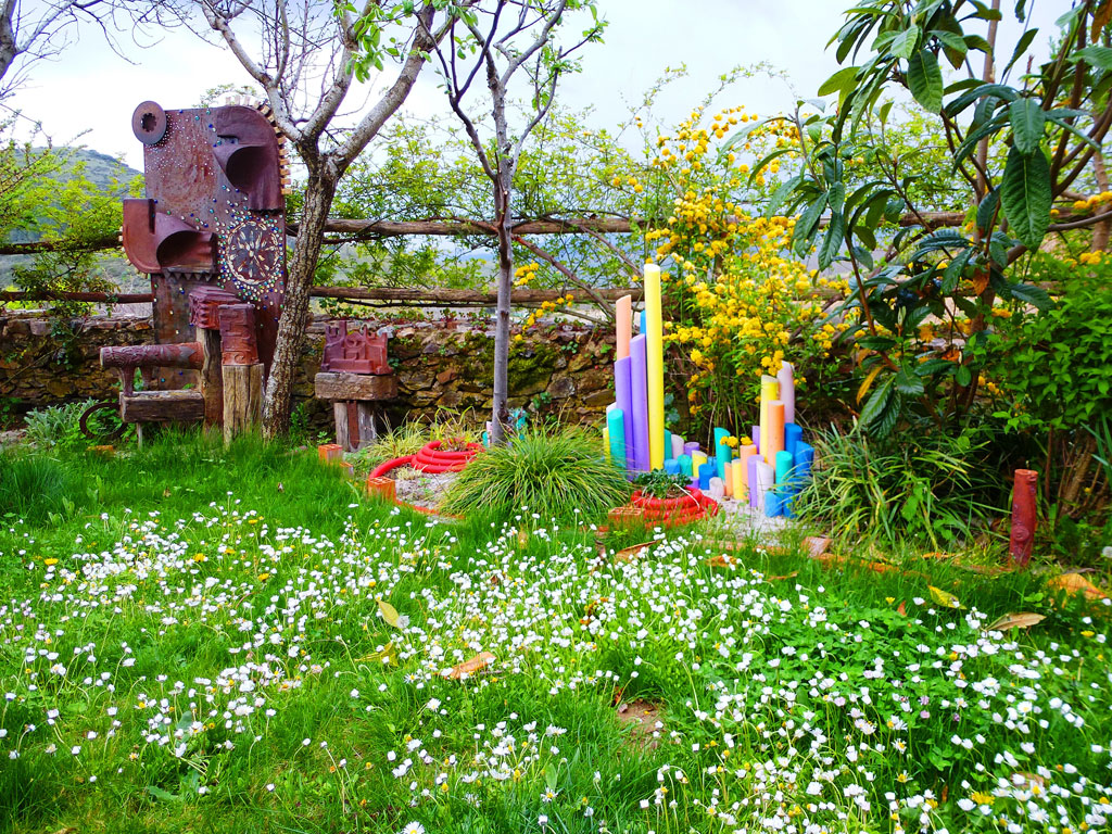 Los jardines casa rural en salamanca for Casa rural jardin del desierto tabernas